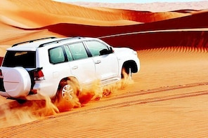 Dubai Red Dunes Safari with Sandboarding and Camel Ride