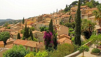 Visit Provence and the capital of the world perfumery Grasse