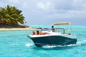 Private Bora Bora Snorkeling Cruise with Optional Vegetarian Lunch on the B...