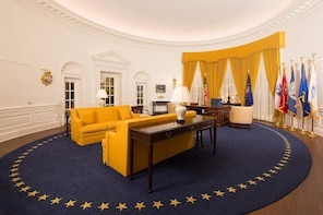 President Nixon's Library: Private, Roundtrip Transfer From/To Anaheim Reso...