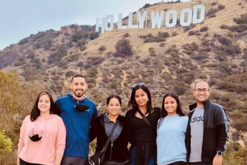 HIKE TO THE HOLLYWOOD SIGN!