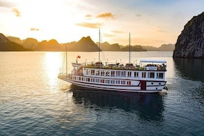 Fantastic 2 days-1 night Lavender Cruise with:kayak,meals,fishing,transfer,...