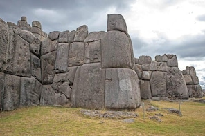 Private Cusco, Puka Pukara, Tambomachay and Sacsayhuaman Full-Day Tour