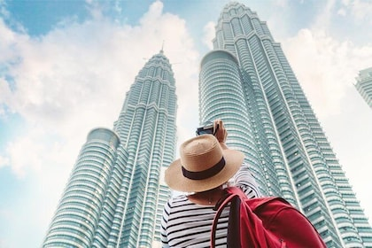 Skip the line:2 in 1 Petronas Twin Towers and Kuala Lumpur Tower Tickets