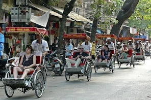 Hanoi Early Morning Cyclo Tour with Breakfast
