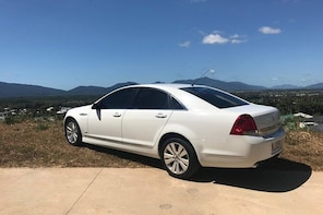 Caprice Limousine Luxury Transfer Cairns Airport to Port Douglas