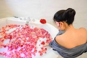 1 Hr Mineral Water & Milky Bath Makkha Health & Spa Colonial Gardens