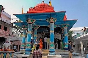 Private Transfer From Udaipur To Jaipur Via Pushkar