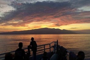 Maui Sunset Dinner and Dance Cruise from Lahaina Harbour