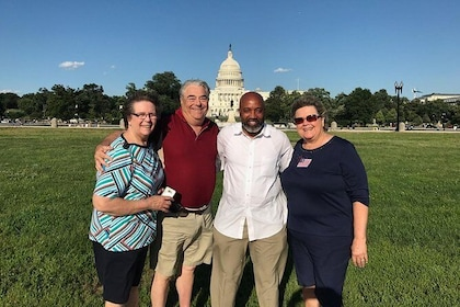 Moonlight Private DC Sightseeing Tour for 6-14 Travelers