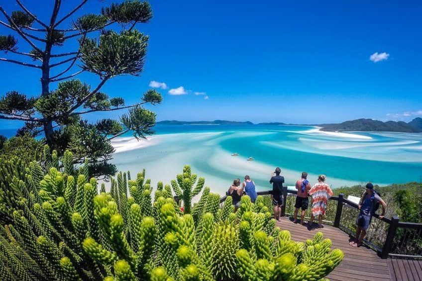 Guide Walk to the Famous Hill Inlet Lookout