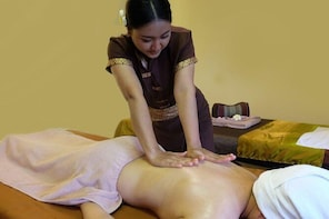 1-hour aroma oil massage