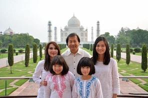 Photo Shoot at Taj Mahal