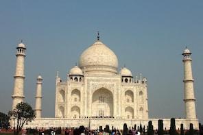 Half day Agra sightseeing with visit to Taj Mahal