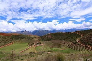 Full-Day Archaeological and Hiking Tour of the Sacred Valley from Cusco, Pe...