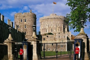 Private One Way or Round Trip Transfer : London to Windsor Castle or LEGOLA...