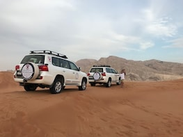 Dubai Desert Safari with BBQ Dinner - It's Amazing