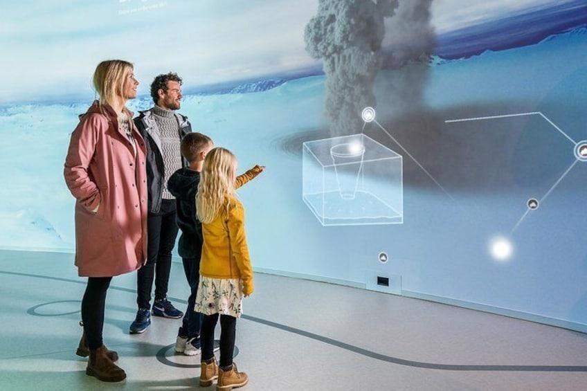 Perlan Museum - Wonders of Iceland & Áróra Northern Lights Planetarium Show