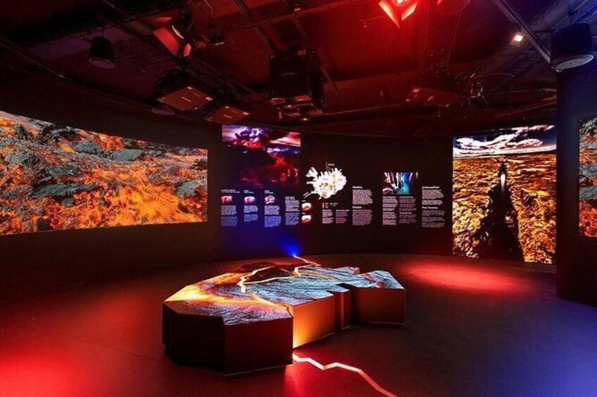 Show item 4 of 8. Wonders of Iceland & Áróra - Northern Lights Planetarium Show
