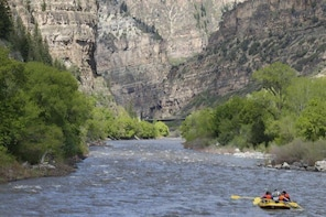 Glenwood Springs Short and Mild Rafting Trip