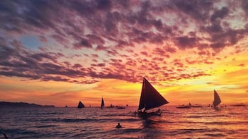 Boracay Sunset Hopping Tour