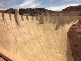 Hoover Dam Tour/Paddle Boat Cruise on Lake Mead