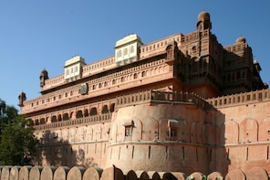 Guided Bikaner City Excursion on Day 1 & Day 2 Jaipur Drop