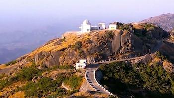 Guided Ahmadabad - Mount Abu 2 Nights 3 Days Trip