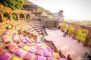 Guided Delhi-Neemrana 2 Nights 3 Days Trip with Delhi Drop