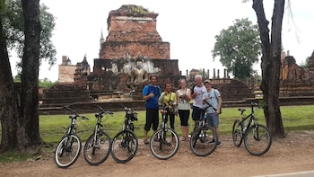 Cycling Tour in Sukhothai Historical Park (Join Tour)