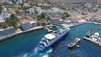 Luxury VIP: Poros, Hydra & Aegina Day Cruise