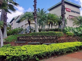 Waikele Outlet Shopping Tour with Rountrip Shuttle