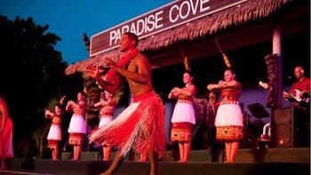 Wonderful Sunset and Dinner at Paradise Cove Luau Show Hawai