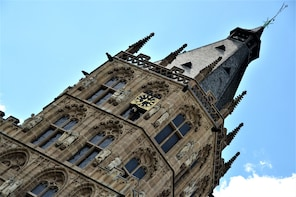 City Discovery Game: Cologne's charming alleys and dwarfs