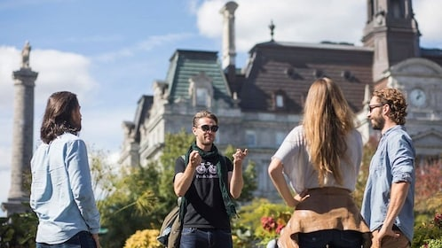 Old Montreal Walk: Intimate & Personalized