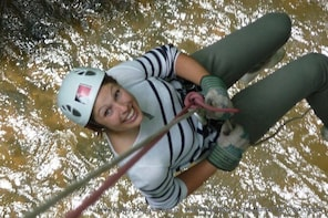 ABSEIL EXPERIENCE off Millers Dale Bridge THE BEST in Derbyshire & Peak Dis...