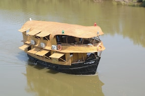 Goa Overnight Houseboat voyage