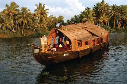 Houseboat Cruise on Alleppey Backwaters with Lunch