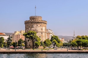 City Discovery Game:Thessaloniki's stories & seaside strolls
