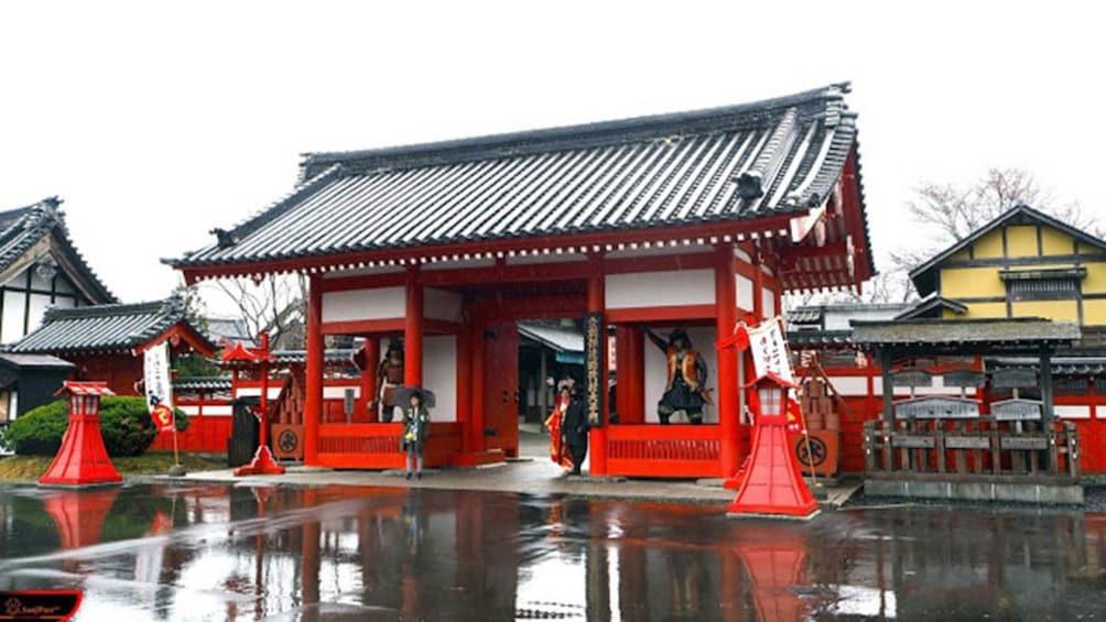 Hokkaido Noboribetsu, Toya & Shikotsu Lake Day Tour