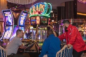 Las Vegas Gaming: Small Group Casino Games on The Strip