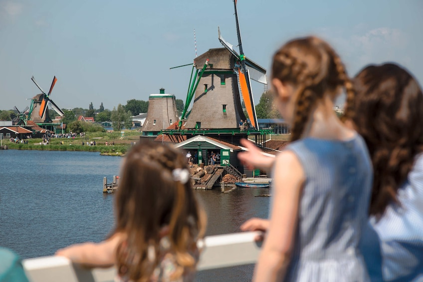 Family Day in Magical Zaanse Schans Private Tour