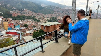 Half-Day Medellin Barrio Transformation Tour Including C13