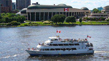 Ottawa Capital Cruises - Legends Cruises River Tour