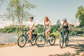 (The Essential) Ottawa Bike Tour