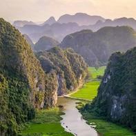 Magnificient 2-Day Hoa Lu, Tam Coc, Mua Cave & Bungalow Stay