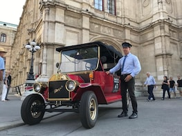SIGHTSEEING TOUR WITH PRIVATE LICENSE GUIDE AND OLDTIMER