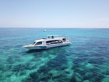 Malaysia Mantanani Island Day Tour in Luxury Yacht