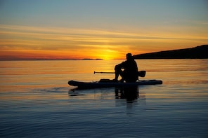 Reykjavik City SUP and Midnight Sun - Small Group
