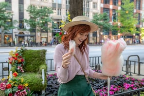 Magnificent Mile Photoshoot and Walking Tour